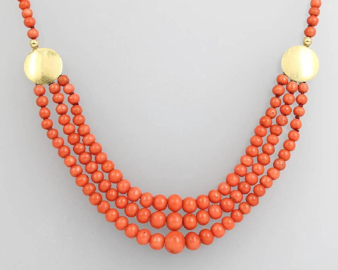 Coral necklace, approx. 1920s