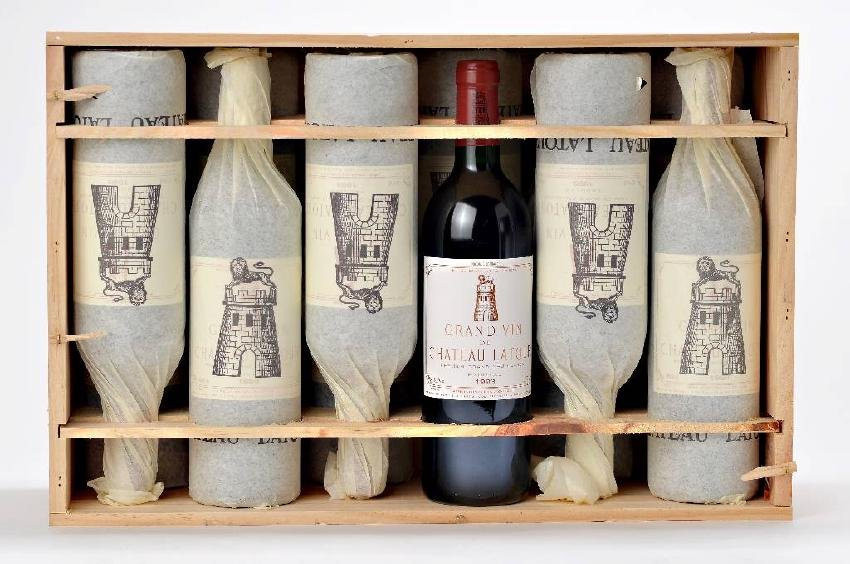 12 bottles of 1993 Chateau Latour, Pauillac