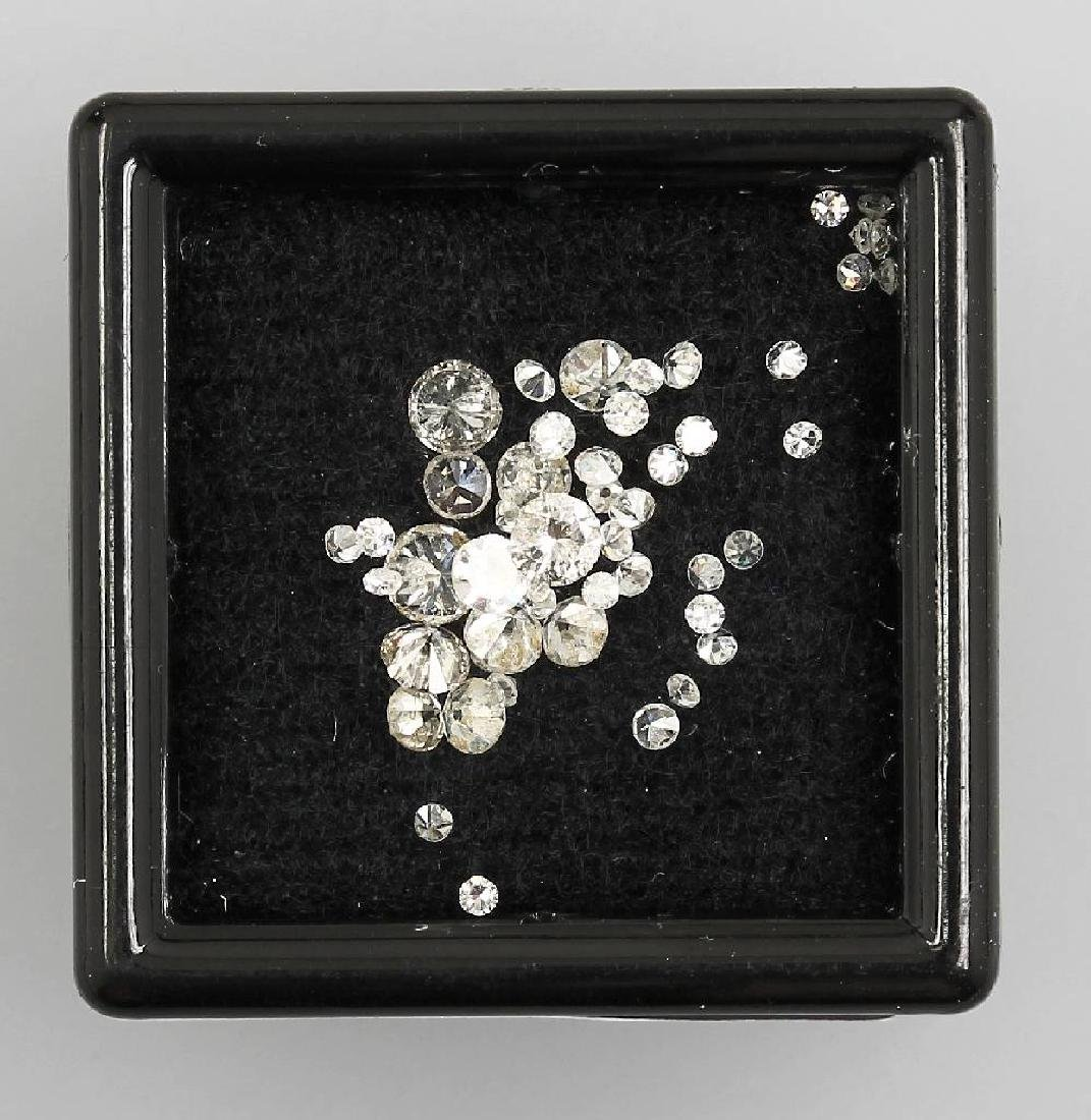 Lot loose diamonds