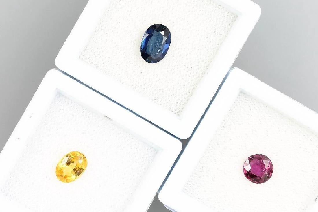 Lot loose coloured stones