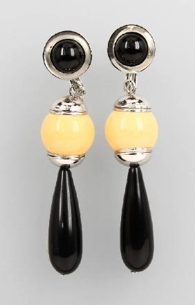 Set of jewelry with bakelite