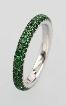 18 kt gold ring with tsavorites