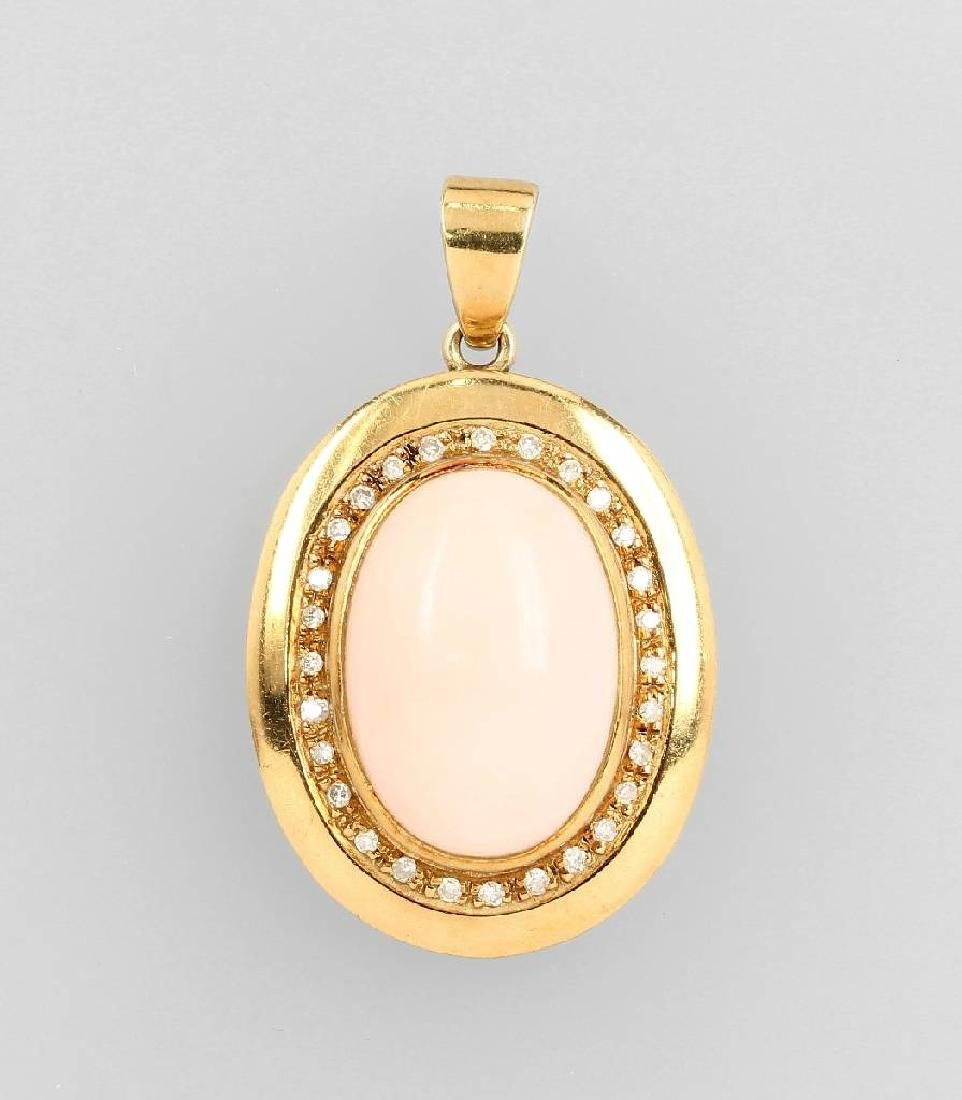 18 kt gold pendant with coral and diamonds