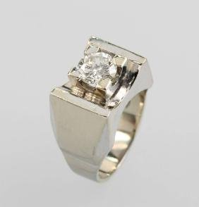 18 Kt Gold Gents Ring With Brilliant