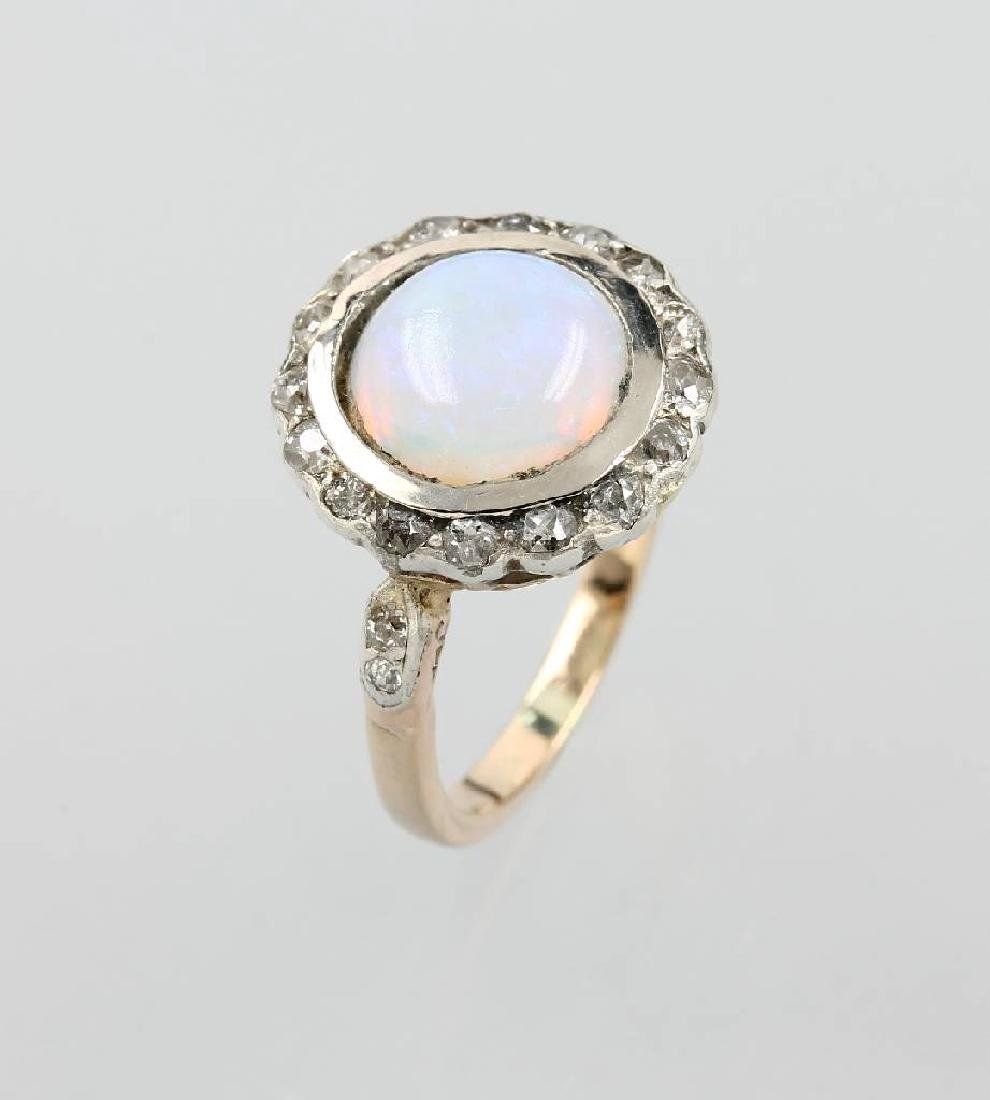 14 kt gold ring with opal and diamonds