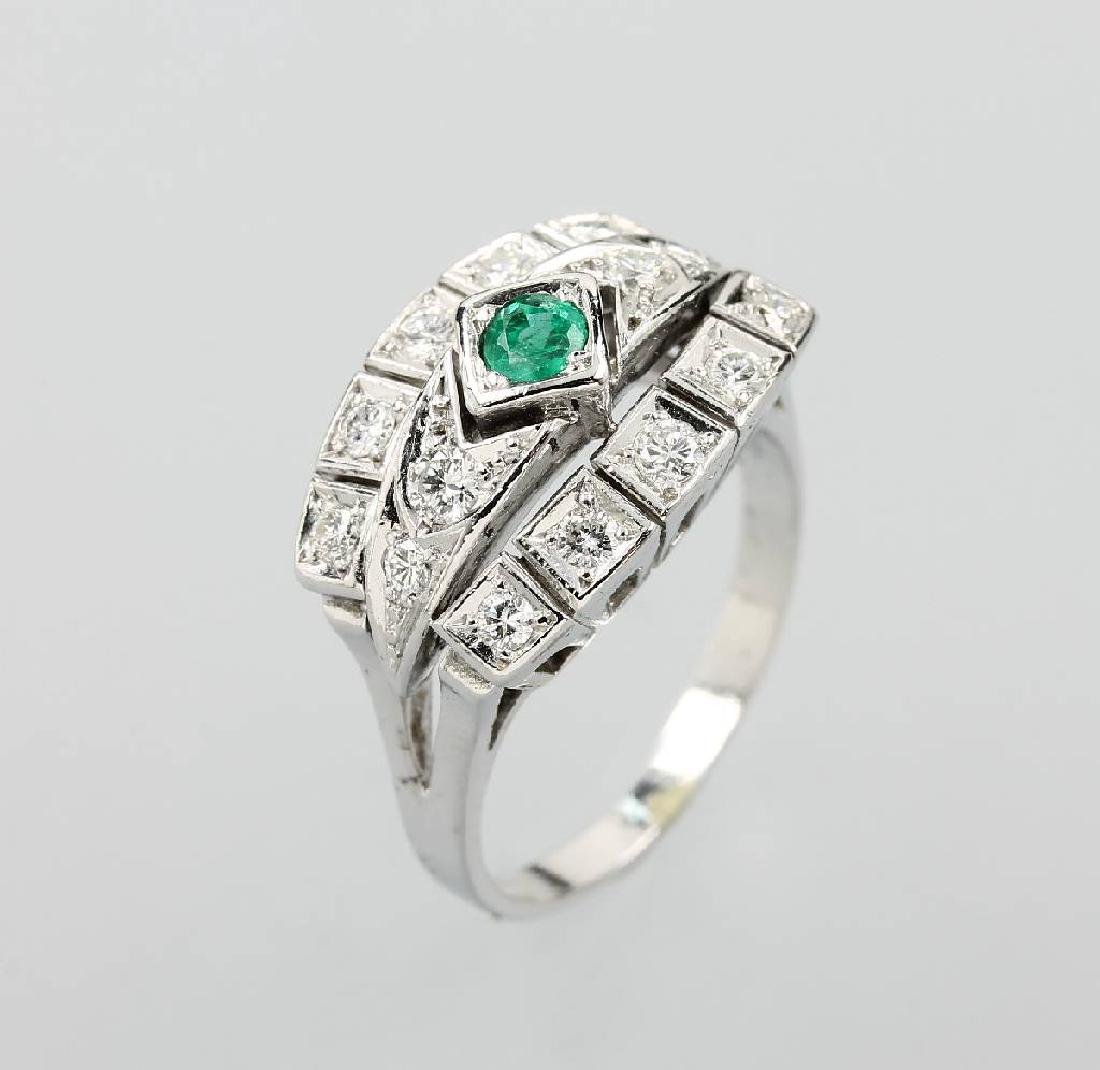 14 kt gold ring with emerald and diamonds
