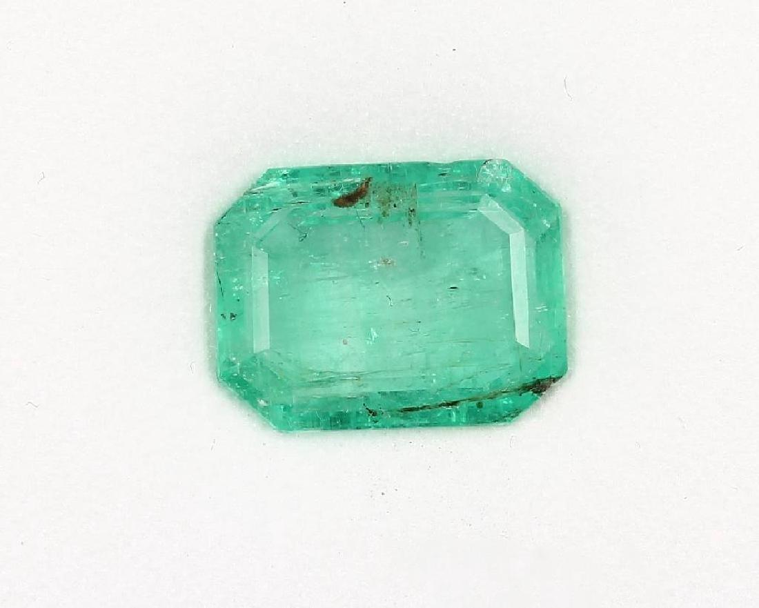 Loose bevelled emerald