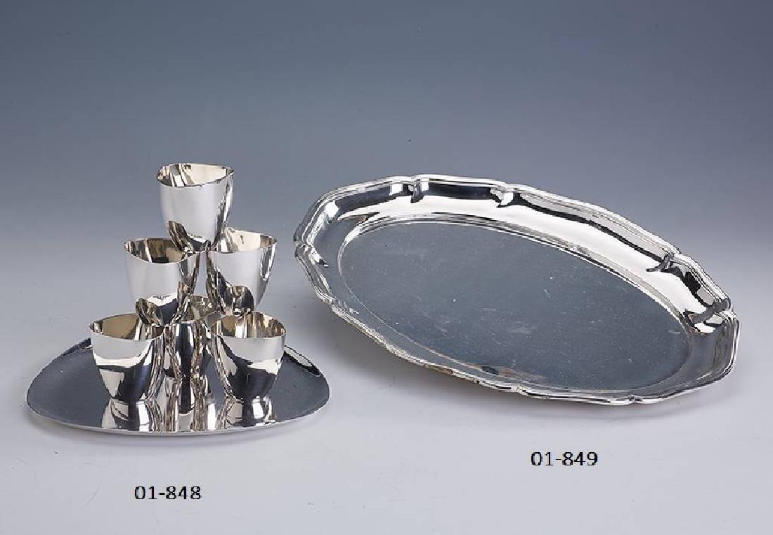 Serving tray and 6 small beakers by KOCH & BERGFELD