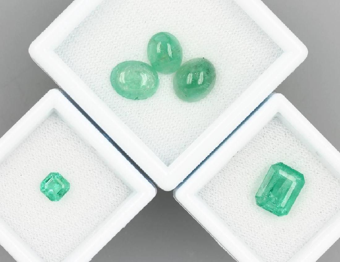 Lot 5 loose emeralds, total approx. 11.0 ct