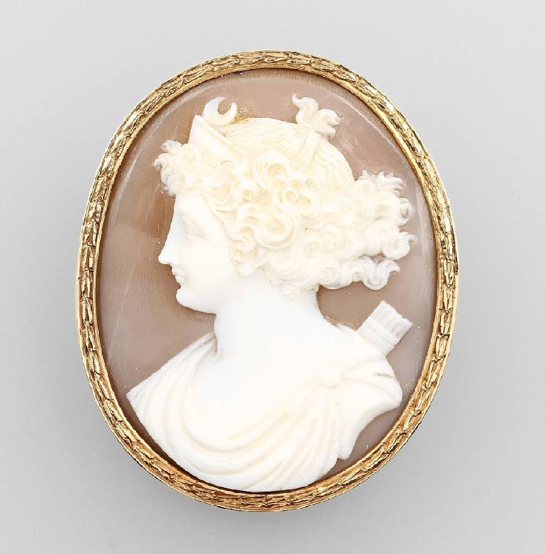 14 kt gold brooch with shell cameo