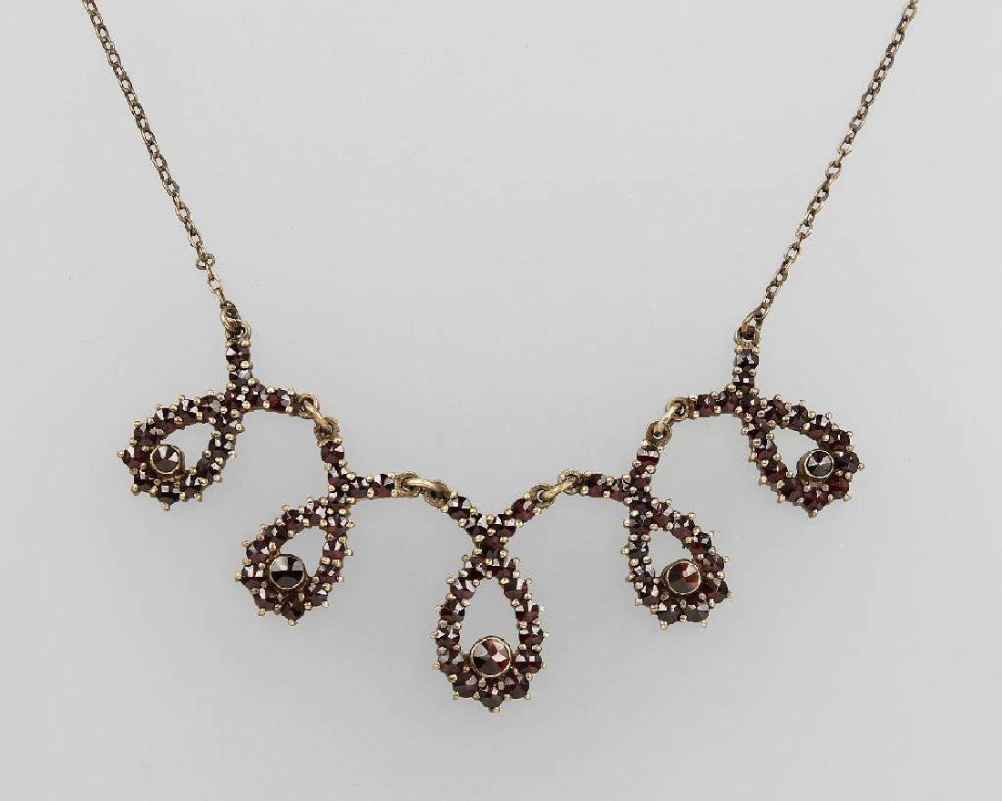 Necklace with garnets, Berlin approx. 1935/40