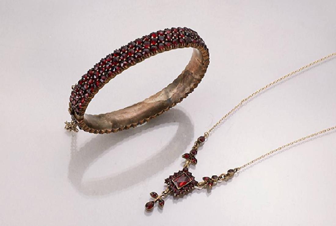 Lot jewellery with garnets, Bohemia approx. 1900/1920s