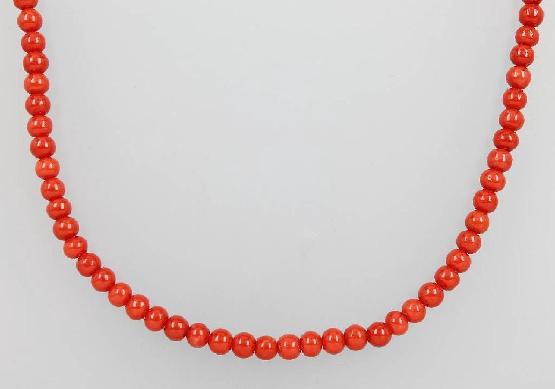 Necklace with coral spheres, Italy approx. 1900s