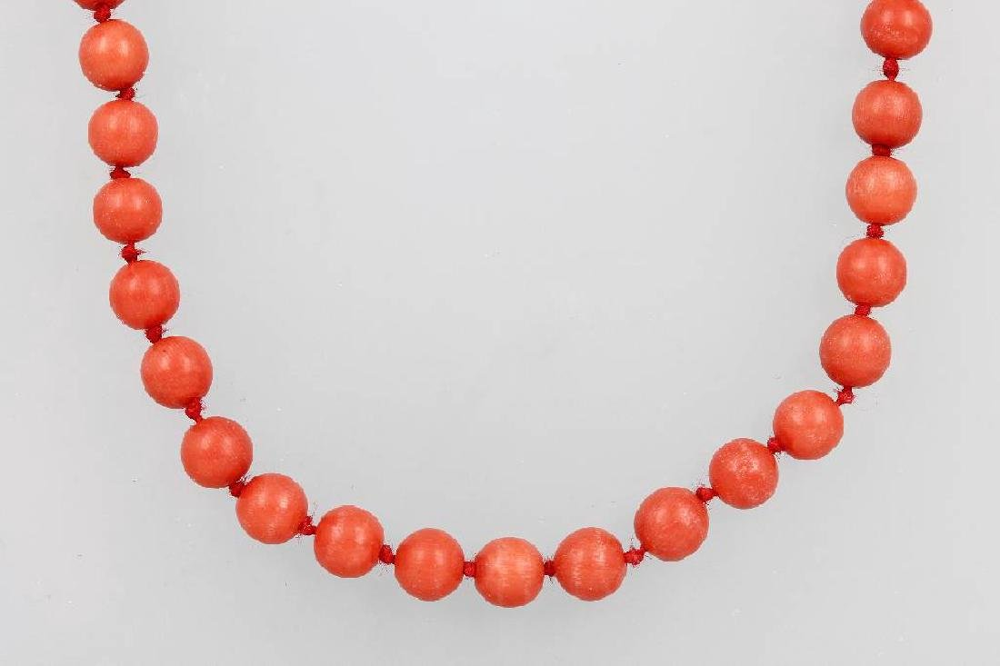 Necklace with coral, Italy 1900s