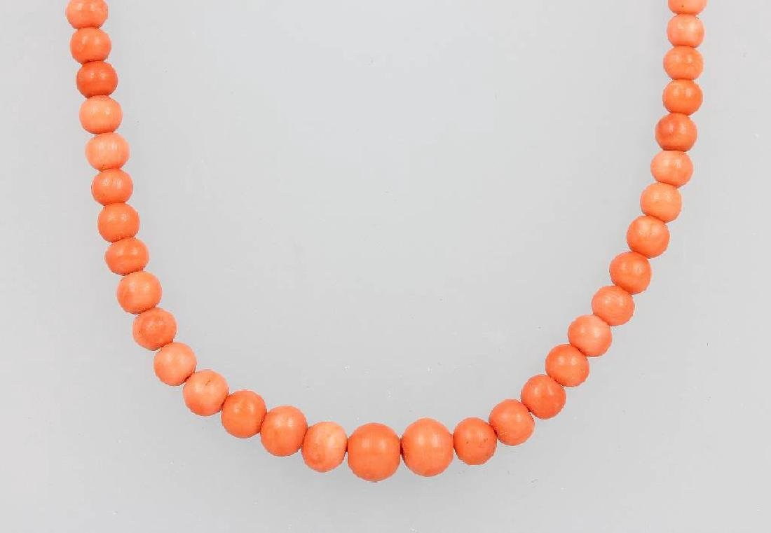 Coral necklace, Italy approx. 1890/1910s