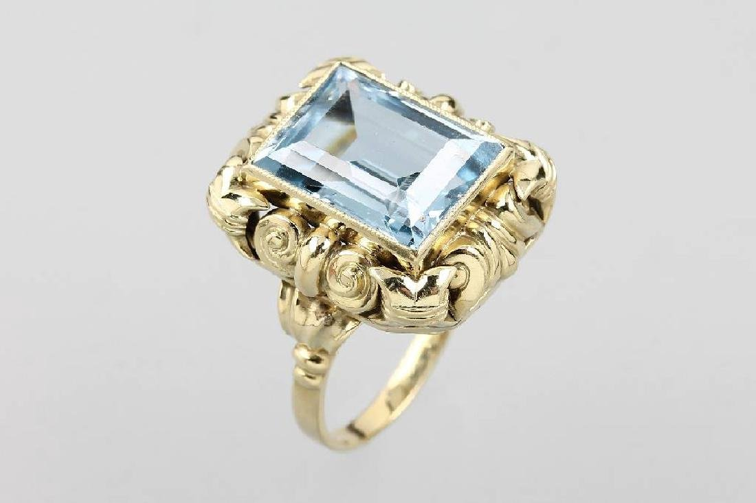 14 kt gold ring with synth. spinel