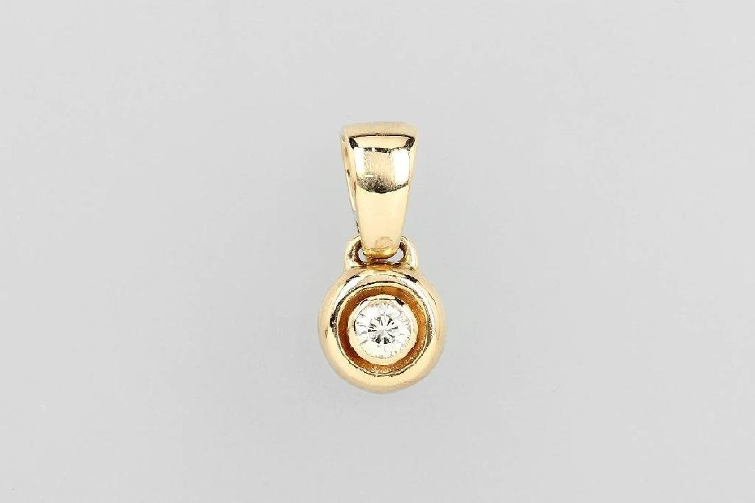 14 kt gold pendant with brilliant