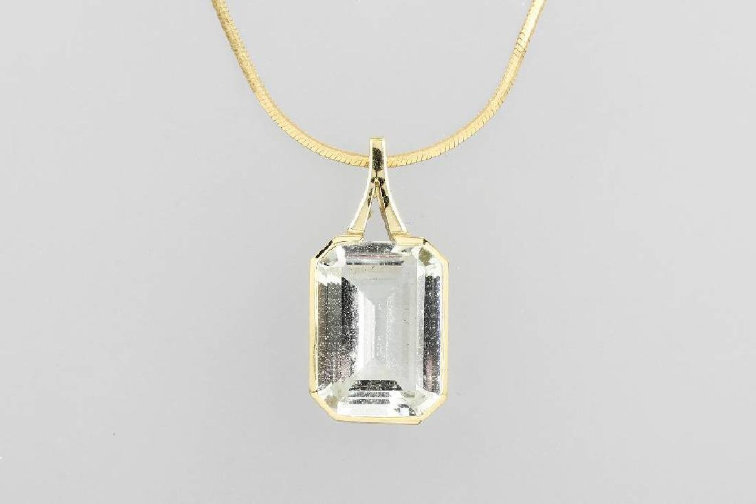 14 kt gold pendant with aquamarine