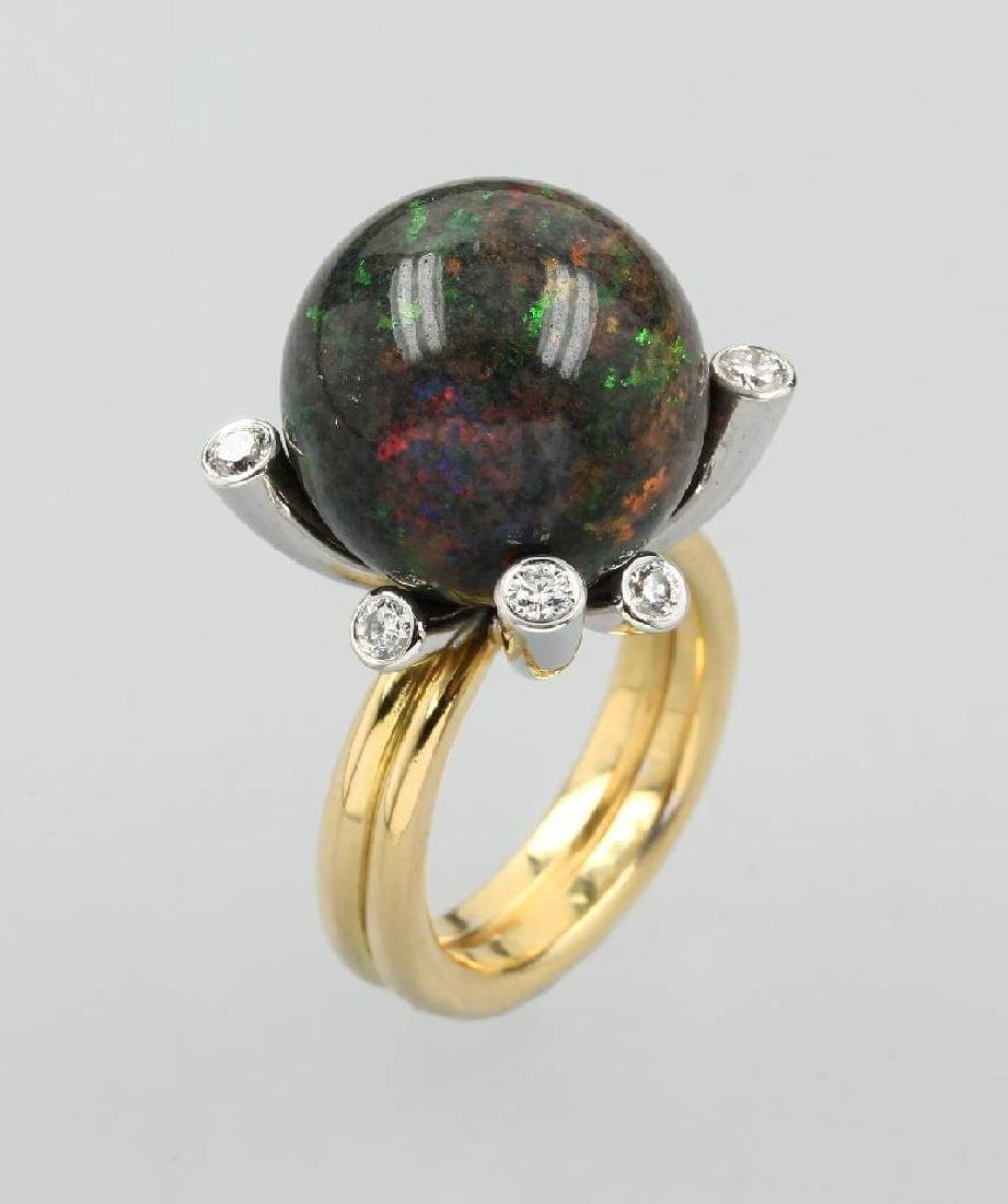 18 kt gold designerring with opalsphere and brilliants