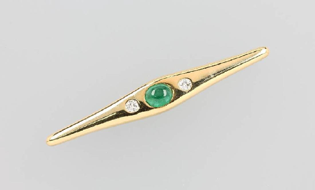 18 kt gold brooch with emerald and brilliants