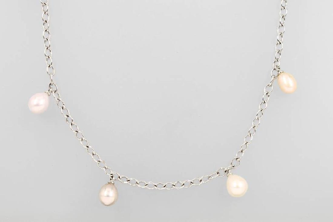 18 kt gold necklace with cultured pearls