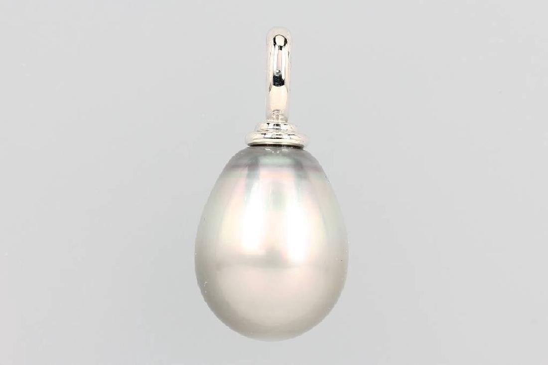 18 kt gold pendant with cultured pearl