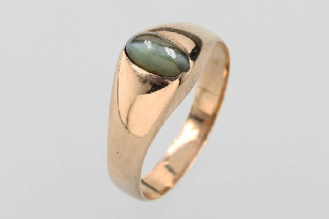 14 kt gold ring with chrysoberyl