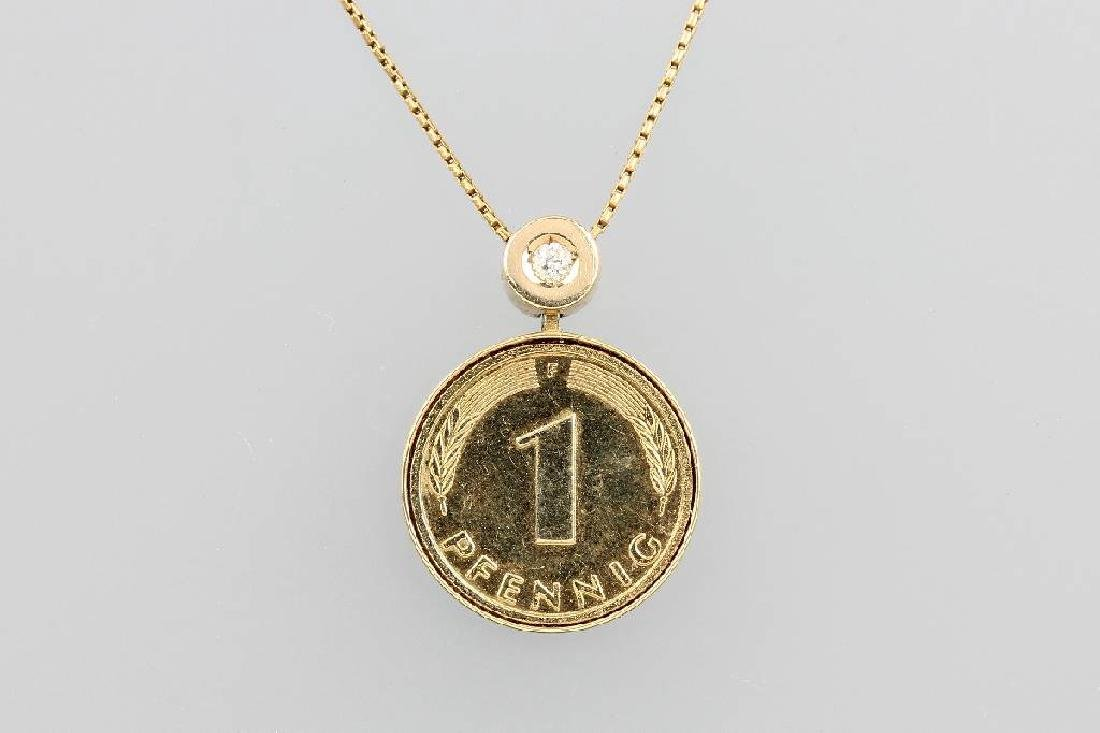 14 kt gold necklace with coin pendant and brilliant