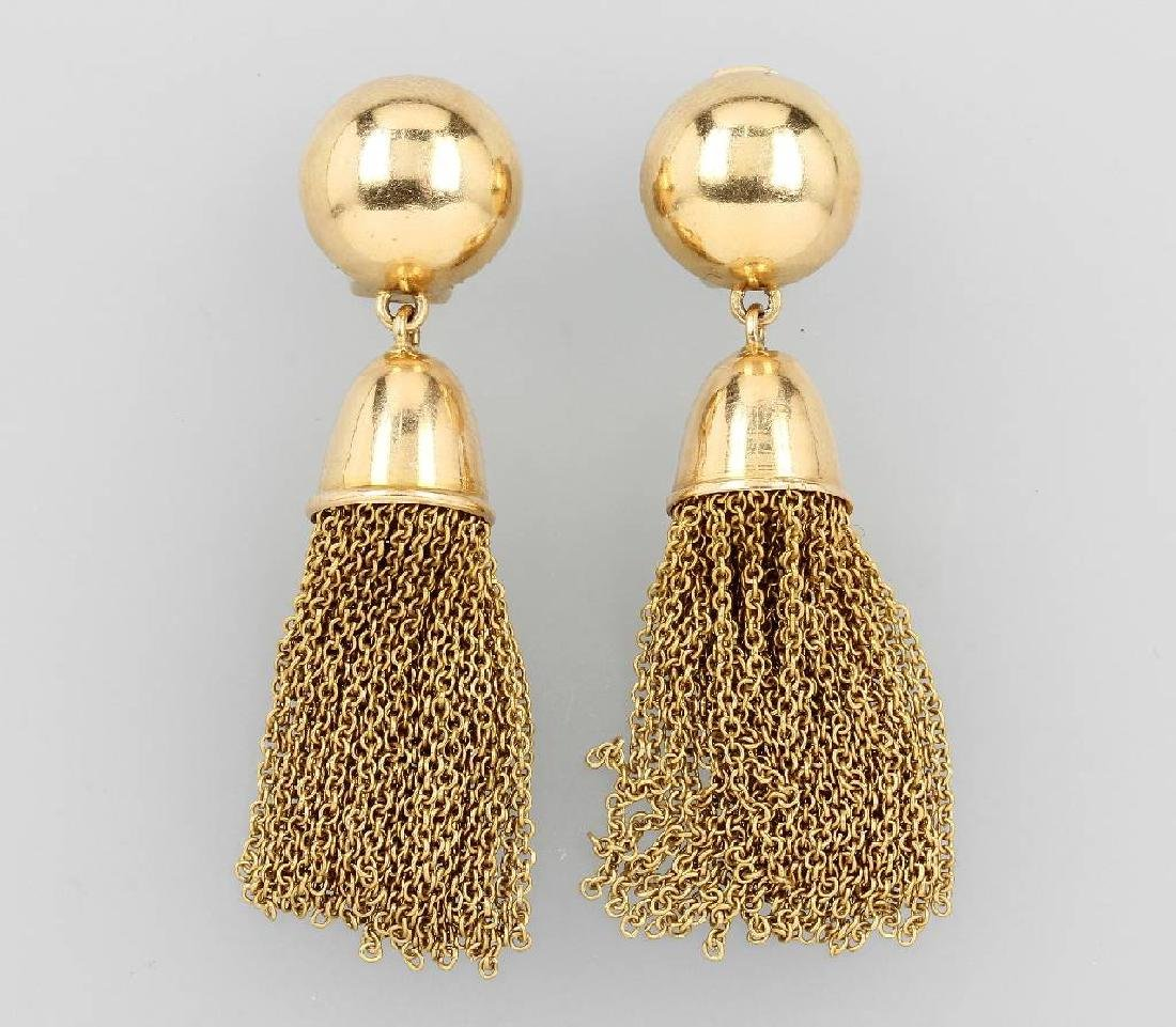 Pair of 18 kt gold earclips