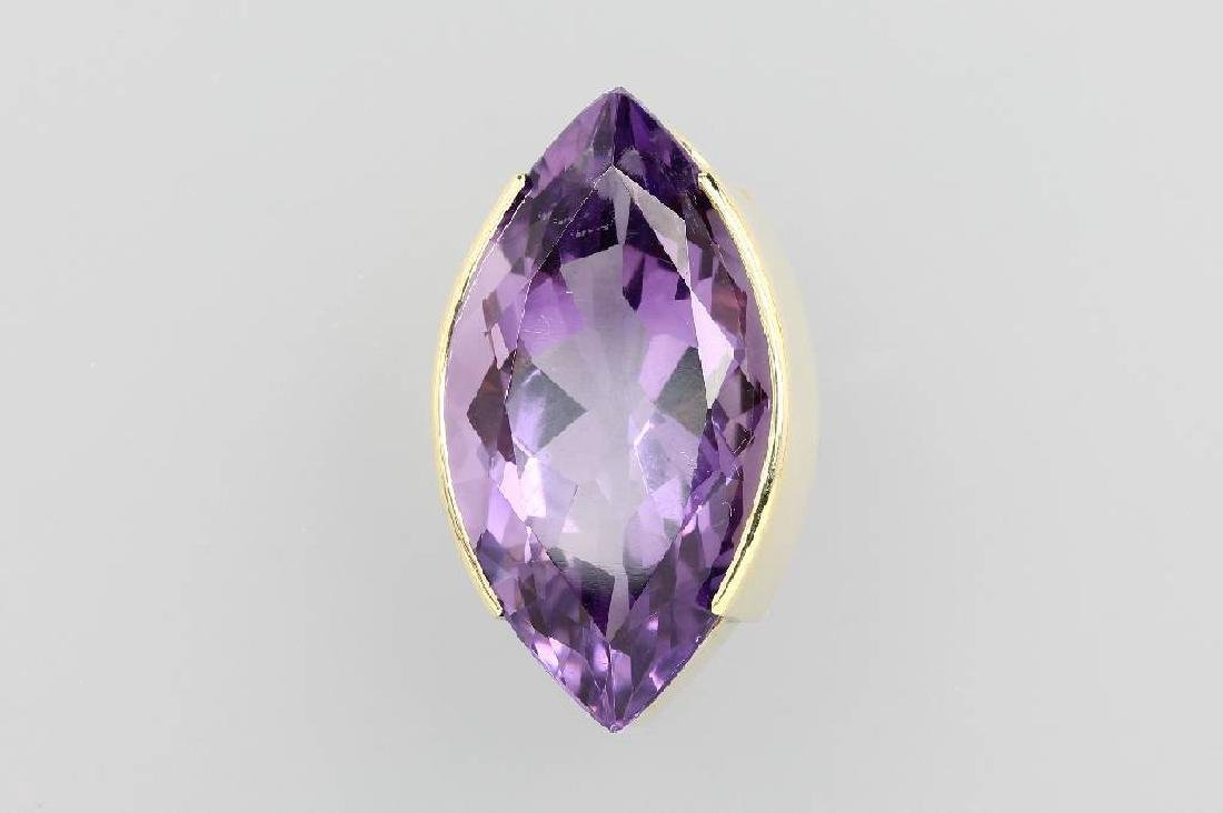 14 kt gold pendant with amethyst
