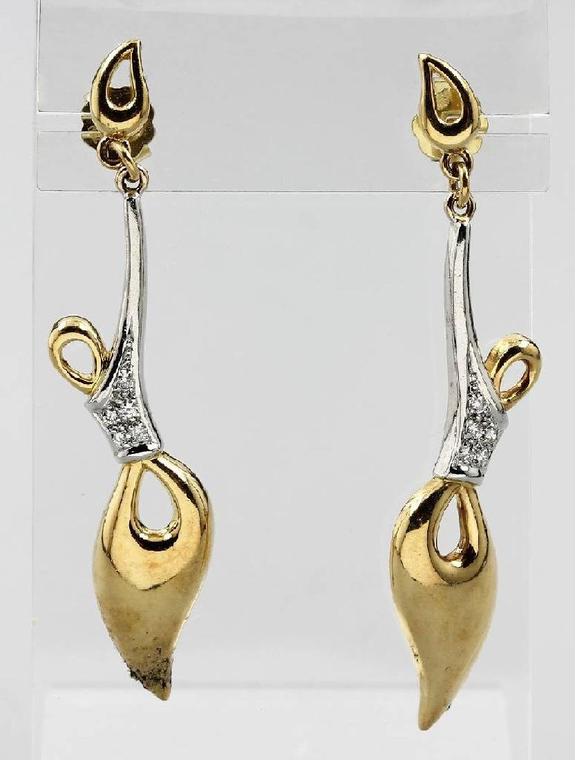 Pair of 18 kt gold COLANI earrings with diamonds