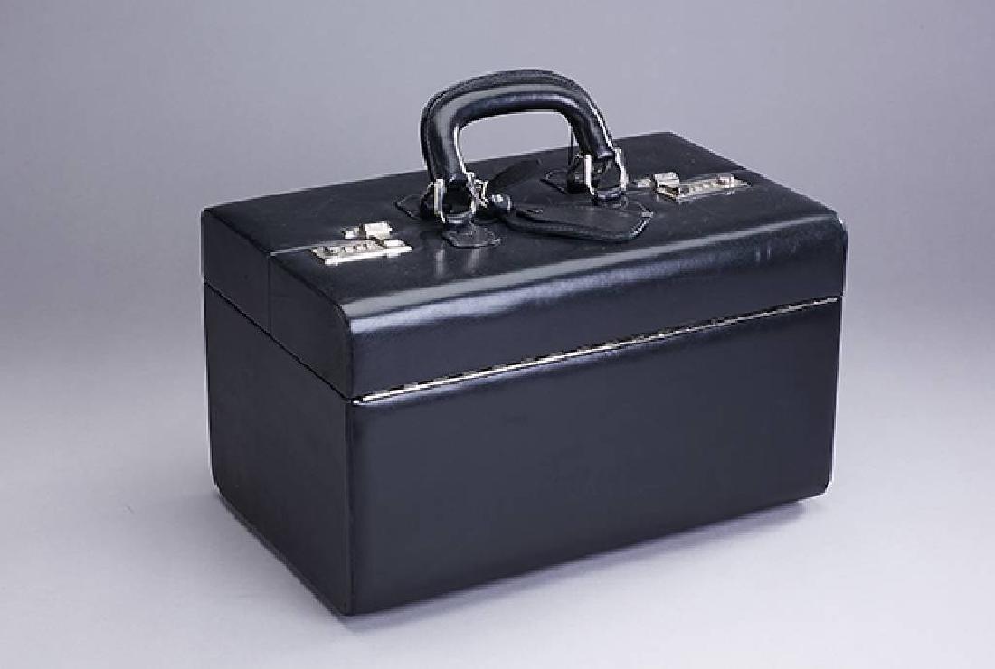 SEEGER beautycase, fine black leather