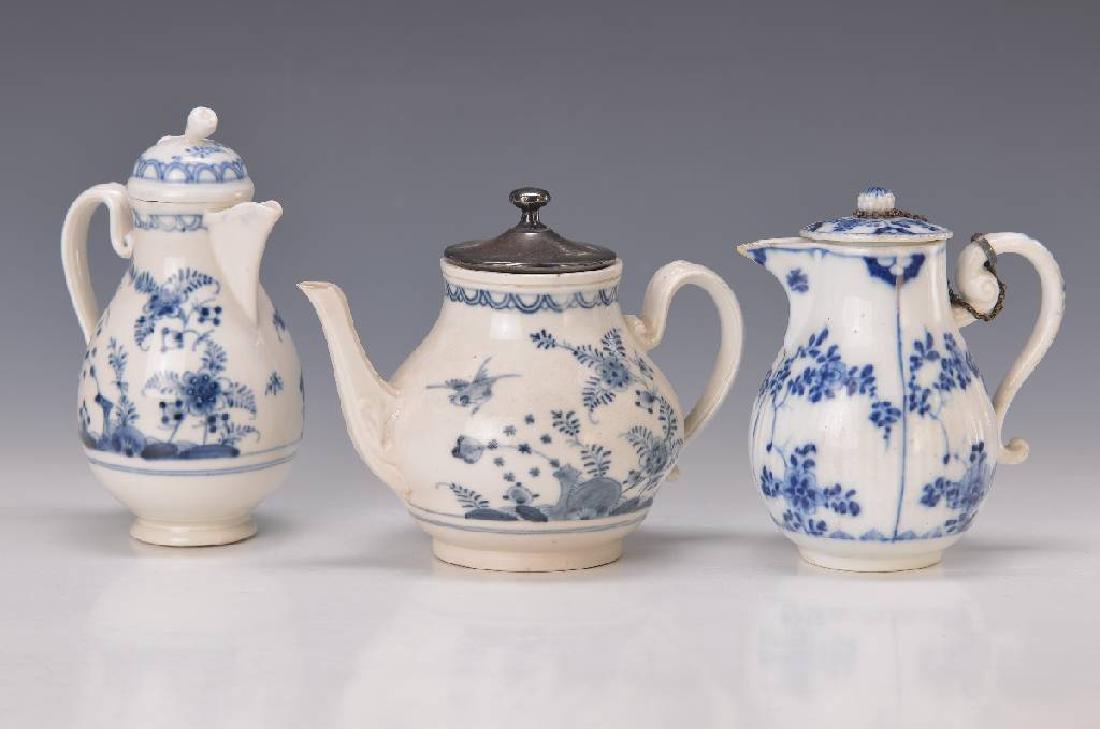 3 small pots