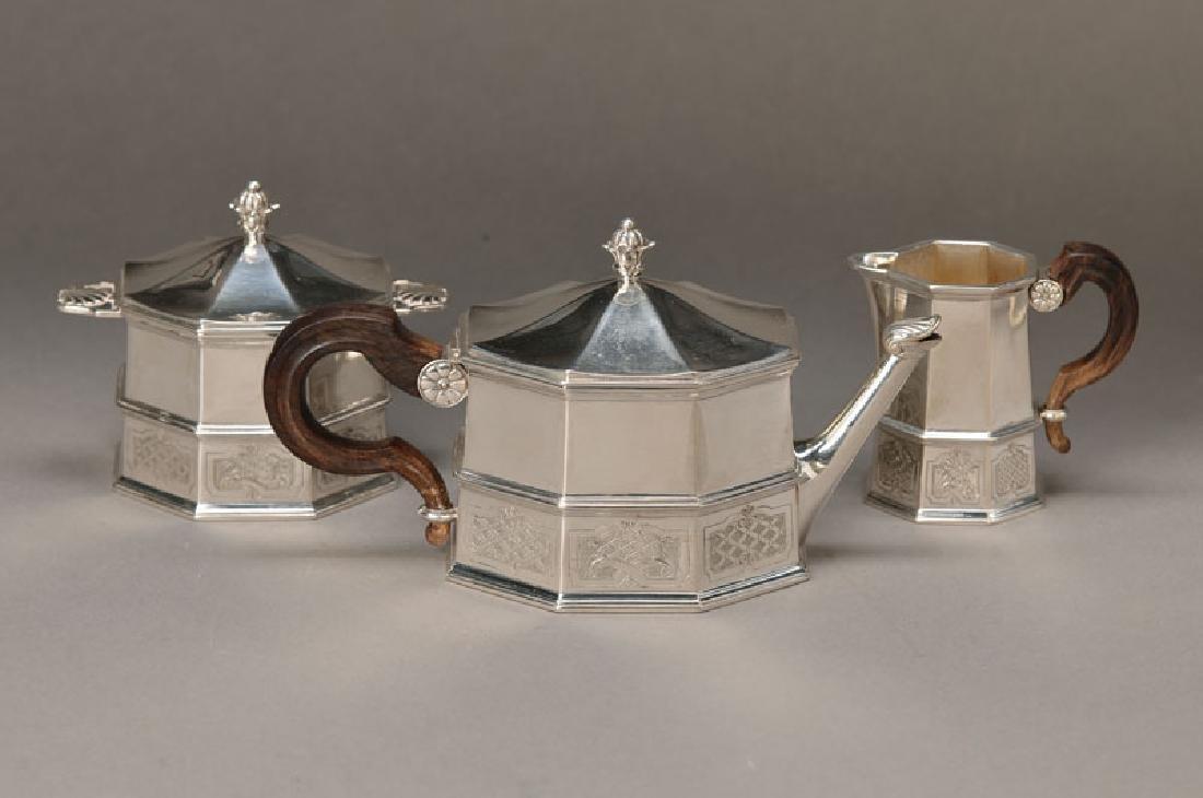 pot,sugar bowl and creamer