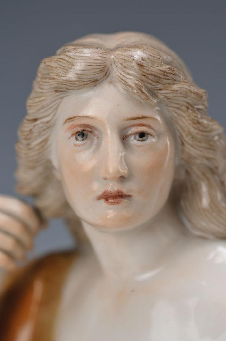 figurine 'Omphale' - 2