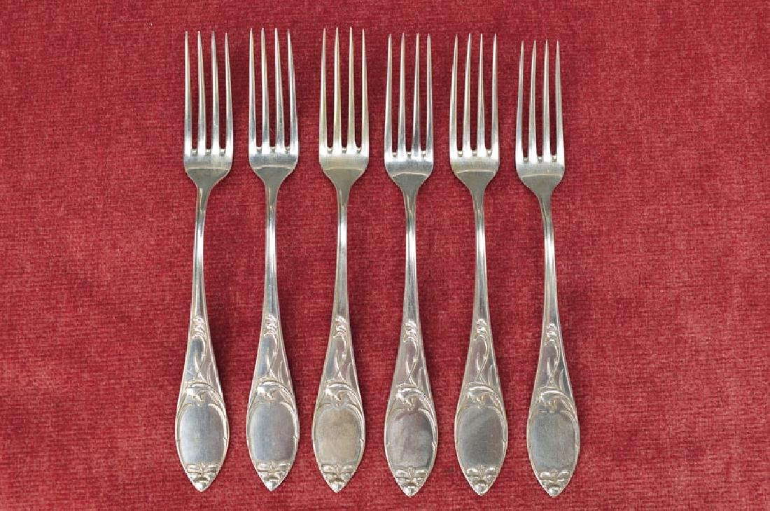 12 dessert forks