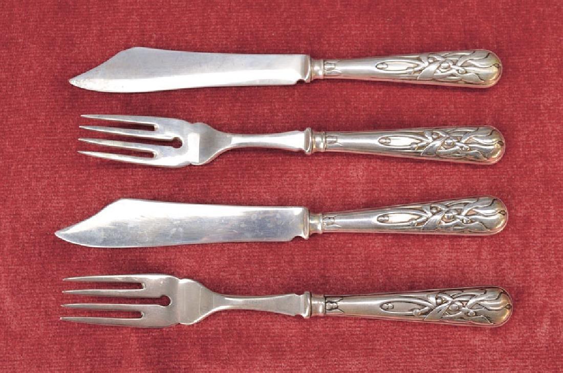 Silver fish cutlery