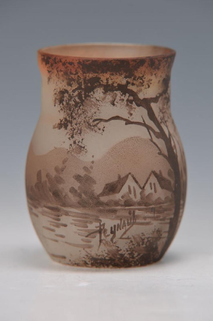 Small vase, Peynault
