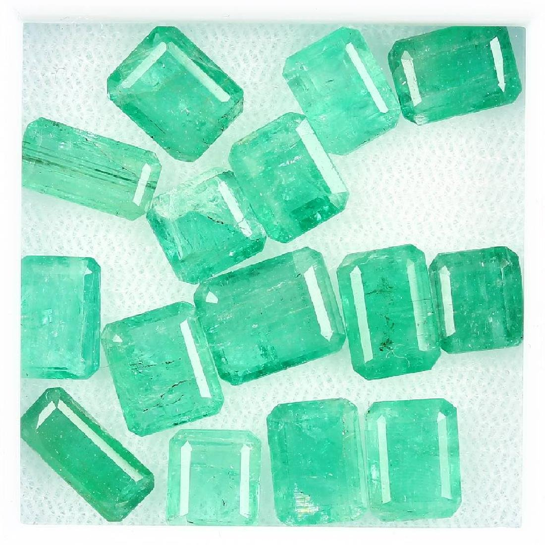 Lot loose emeralds, total approx. 20.9 ct, rectangular