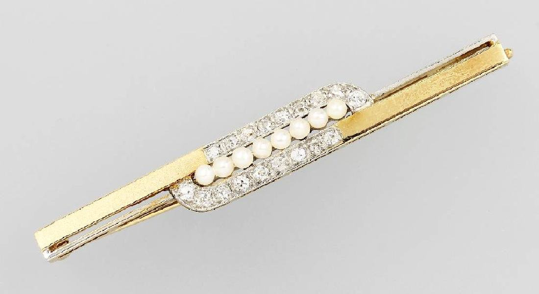 14 kt gold brooch with diamonds and cultured pearls