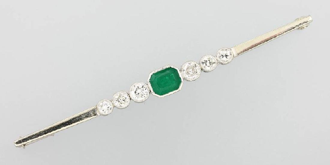 14 kt gold bar brooch with diamonds and emerald