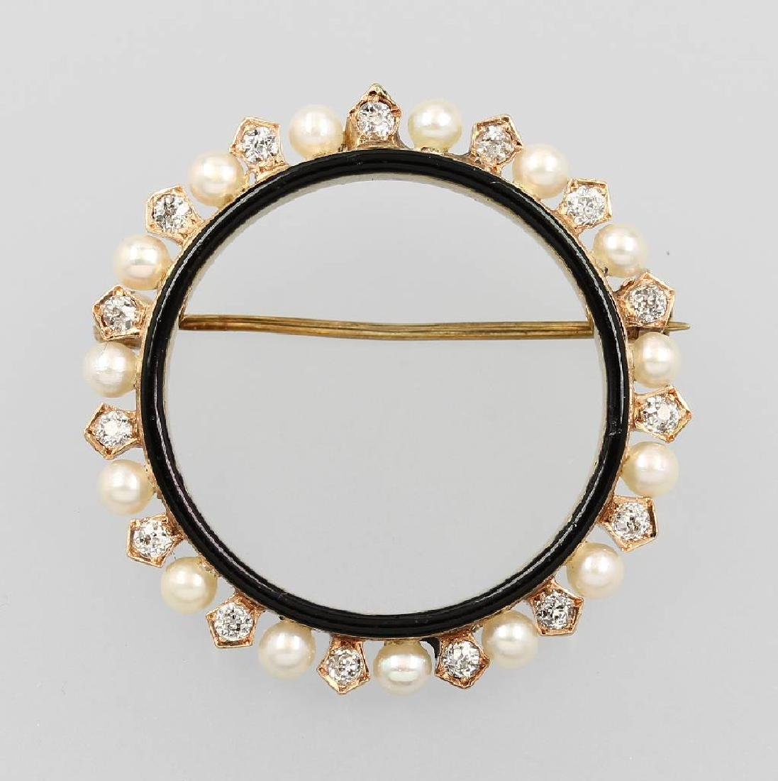 14 kt gold circle brooch with pearls and diamonds