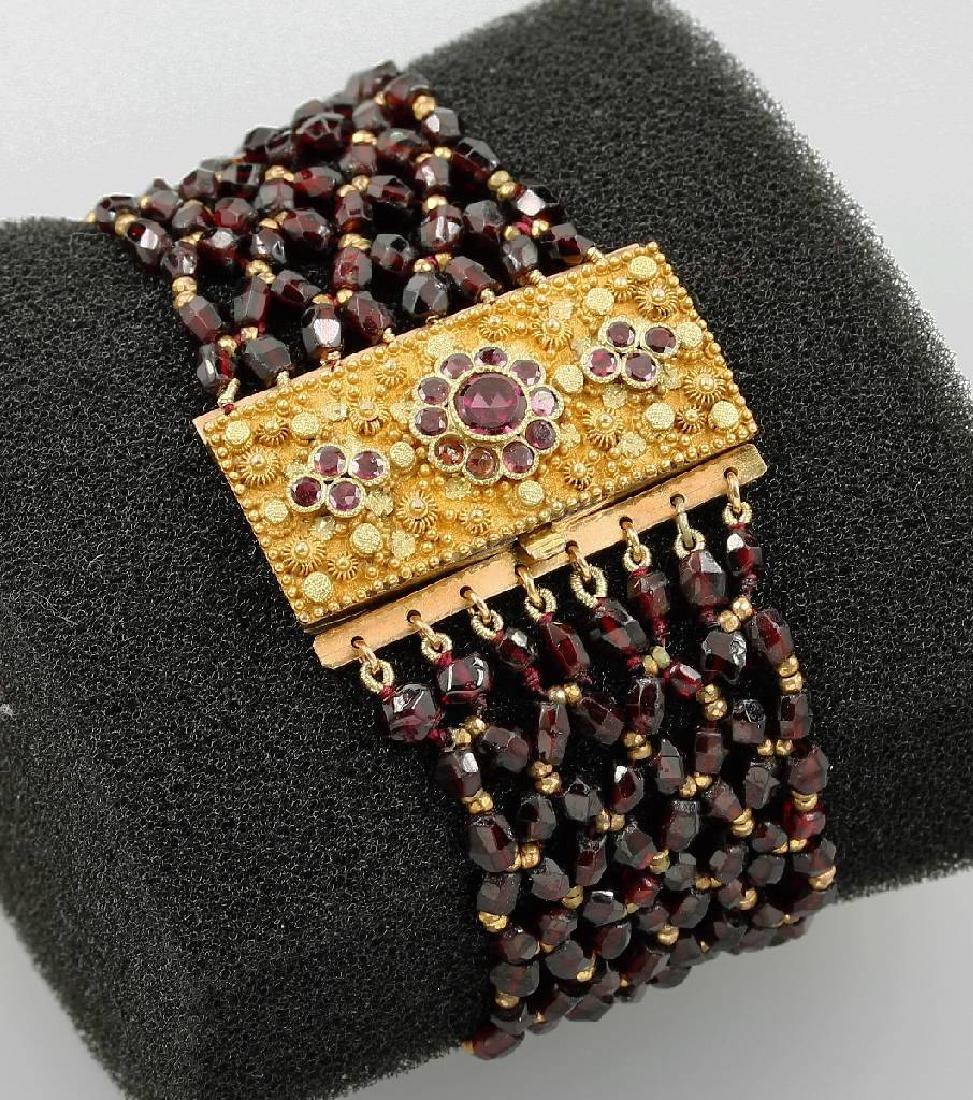 Garnet bracelet, german approx. 1840/50s