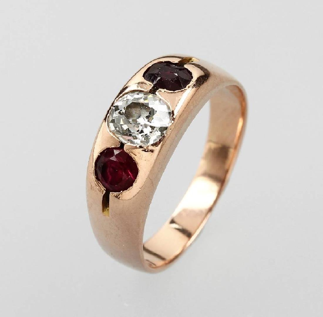 18 kt gold ring with diamond and rubies