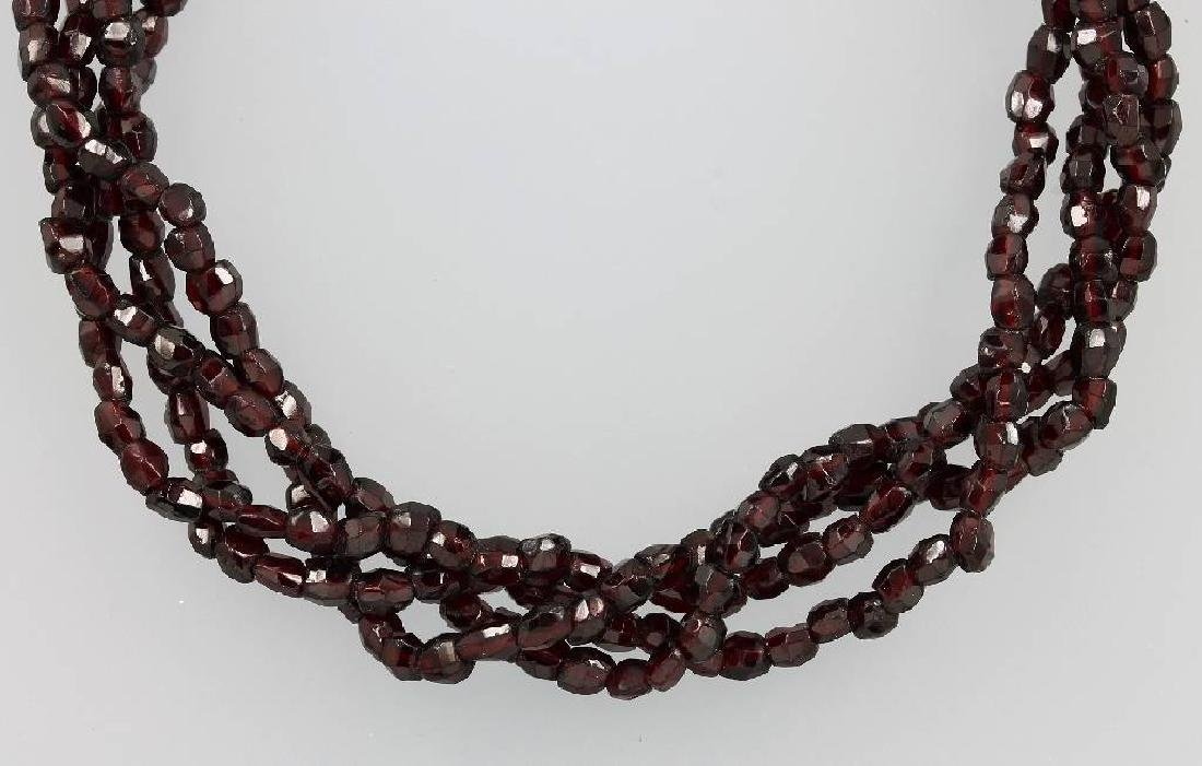 4-row necklace with garnets