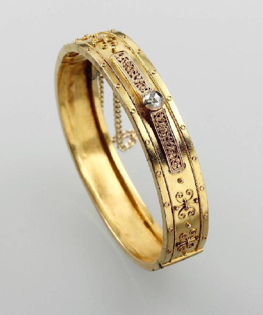 18 kt gold bangle with diamond, approx. 1880s
