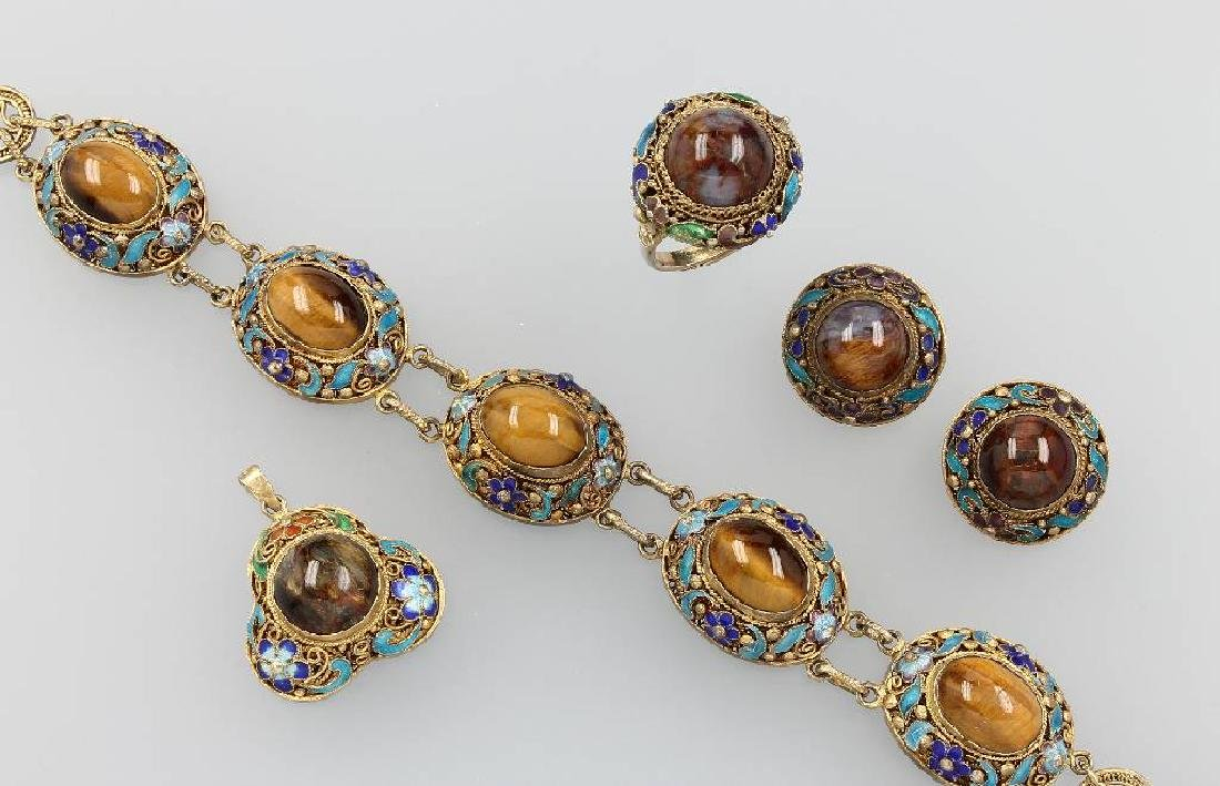 Jewelry set with tiger's eye and enamel, China approx.