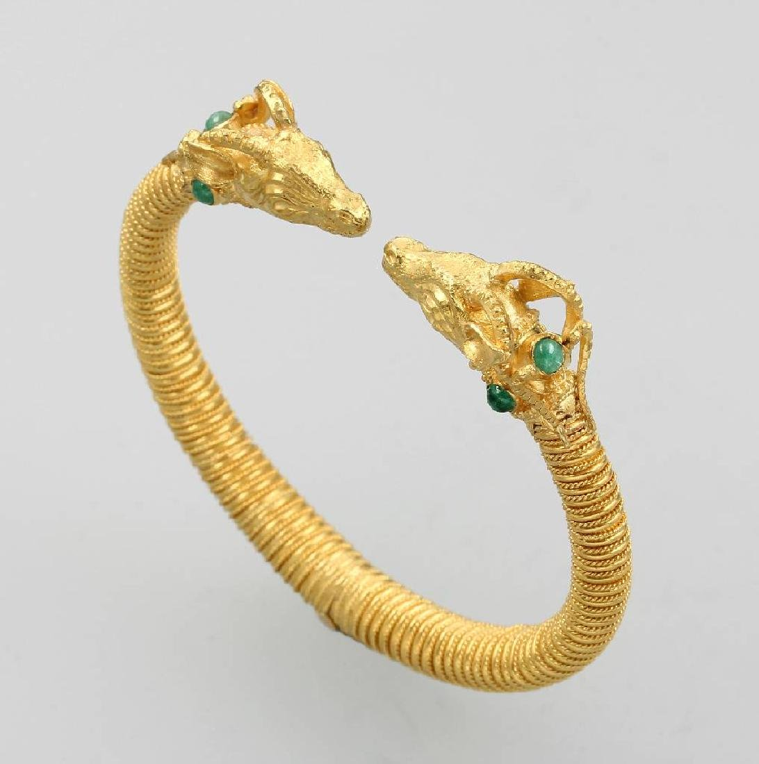 22 kt gold bangle 'ram' with emeralds