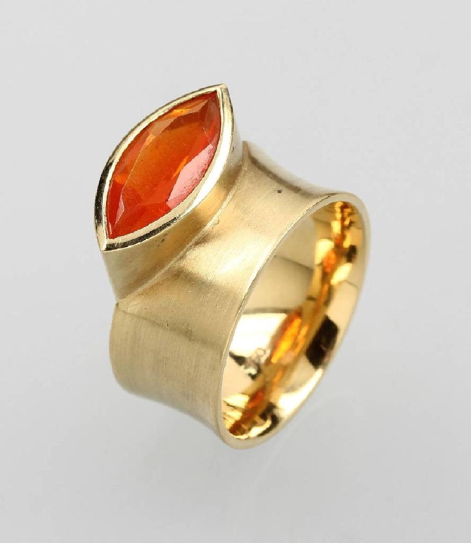 18 kt gold designer ring with fire opal