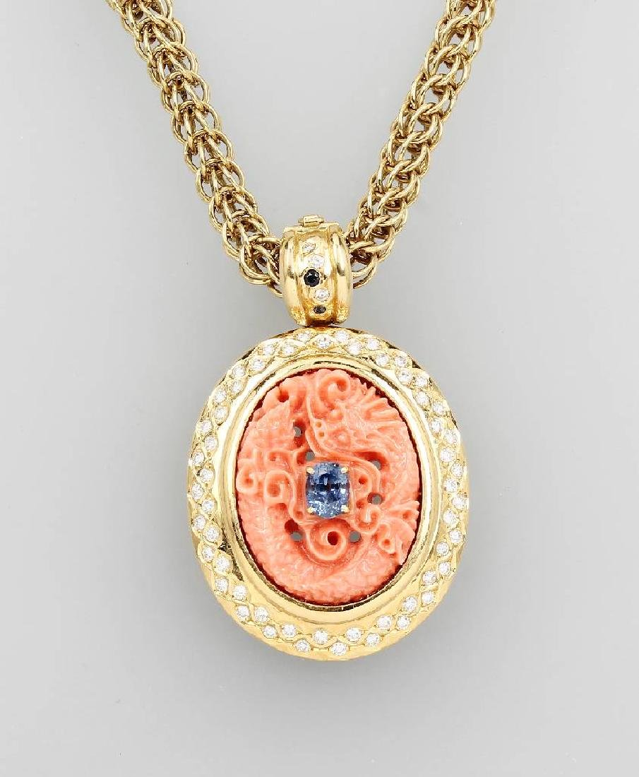 18 kt gold pendant with coral and brilliants